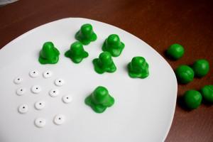Frau-Hoffmanns-Brain-Slug-Cupcakes-2