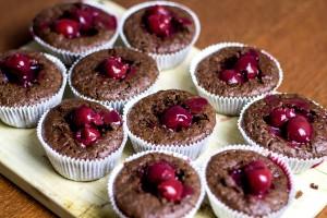 Frau-Hoffmanns-Brain-Slug-Cupcakes-1