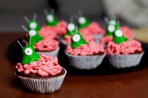 Frau-Hoffmanns-Brain-Slug-Cupcakes-4