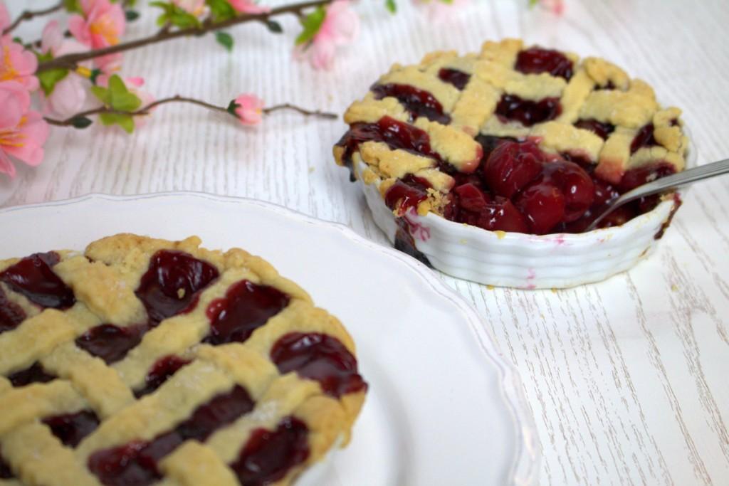 Frau-Hoffmanns-Mini-Cherry-Pie-1