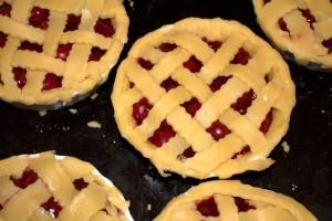 Frau-Hoffmanns-Mini-Cherry-Pie-5